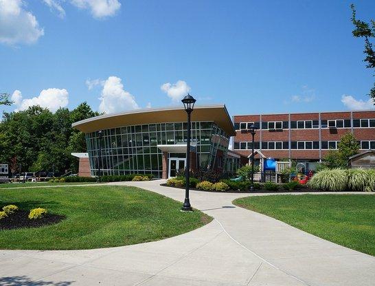 college-75535_1280.jpg